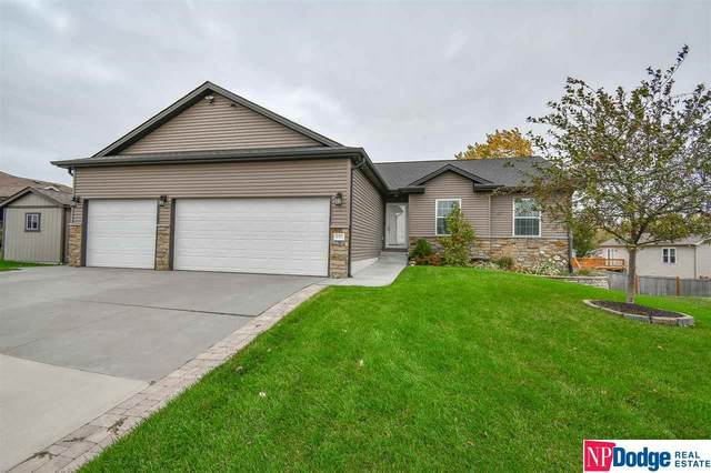4421 W Ludwig Drive, Lincoln, NE 68528 (MLS #22125378) :: Elevation Real Estate Group at NP Dodge