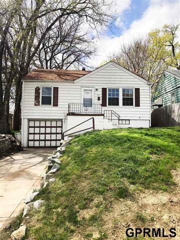 3736 N 40th Street, Omaha, NE 68111 (MLS #22125483) :: Catalyst Real Estate Group