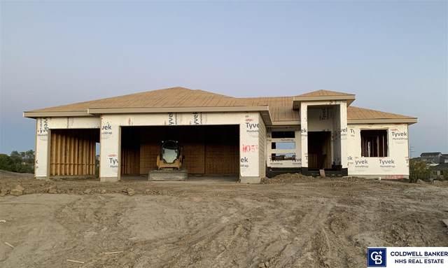 11058 Portage Drive, Papillion, NE 68046 (MLS #22125523) :: The Briley Team