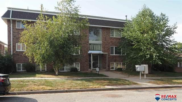2915 N 53 Street, Lincoln, NE 68504 (MLS #22125604) :: One80 Group/KW Elite