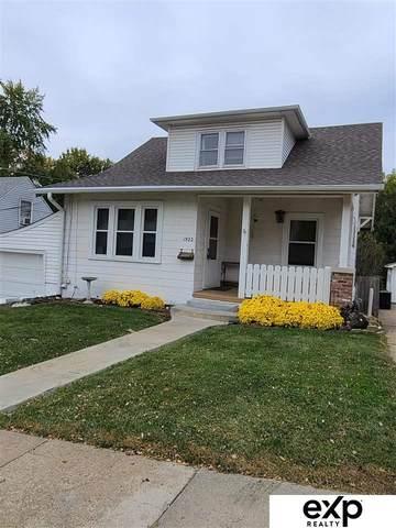 1922 S 37 Street, Omaha, NE 68105 (MLS #22125612) :: Omaha Real Estate Group