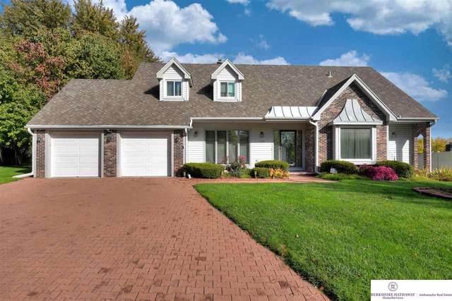 12310 Hamilton Circle, Omaha, NE 68154 (MLS #22125714) :: Capital City Realty Group