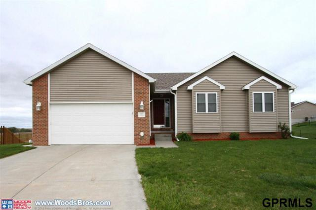 320 Orchard Place, Hickman, NE 68372 (MLS #L10151818) :: Cindy Andrew Group