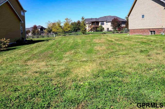 9010 Medinah Drive, Lincoln, NE 68526 (MLS #L10152273) :: Nebraska Home Sales