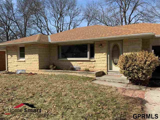 423 S 56th Street, Lincoln, NE 68510 (MLS #L10153799) :: Nebraska Home Sales