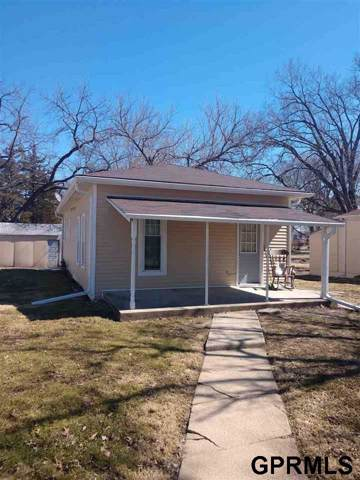 702 S 9th, Beatrice, NE 68310 (MLS #T11129) :: Coldwell Banker NHS Real Estate
