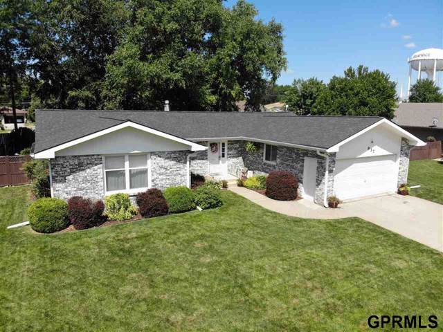937 N 20th, Beatrice, NE 68310 (MLS #T11392) :: Coldwell Banker NHS Real Estate