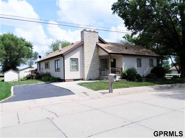 1816 S 5th Street, Beatrice, NE 68310 (MLS #T11710) :: Omaha Real Estate Group