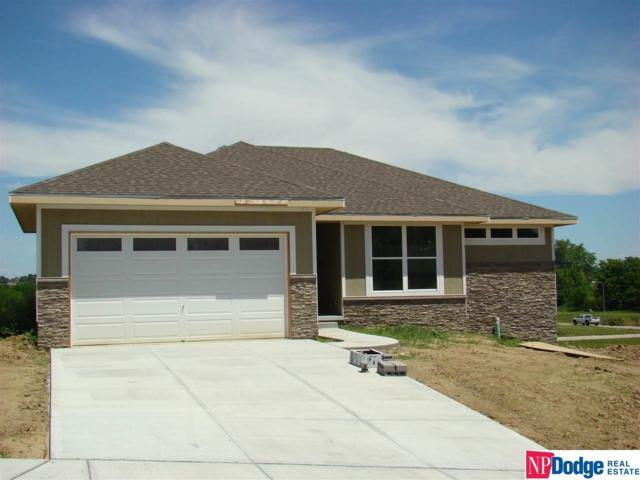 918 Crest Drive, Papillion, NE 68046 (MLS #21802238) :: Omaha's Elite Real Estate Group