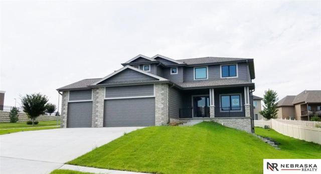 6836 Park Crest Drive, Papillion, NE 68133 (MLS #21804019) :: Omaha's Elite Real Estate Group