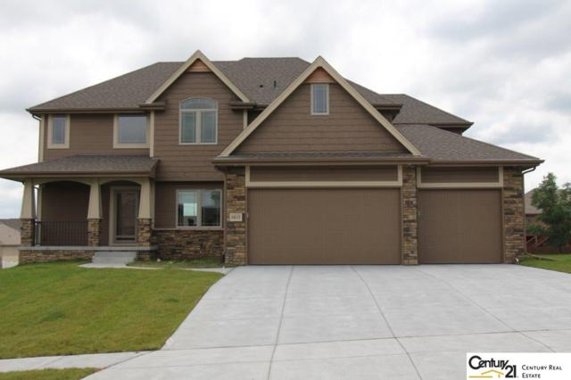 6833 Park Crest Drive, Papillion, NE 68046 (MLS #21805680) :: Omaha Real Estate Group
