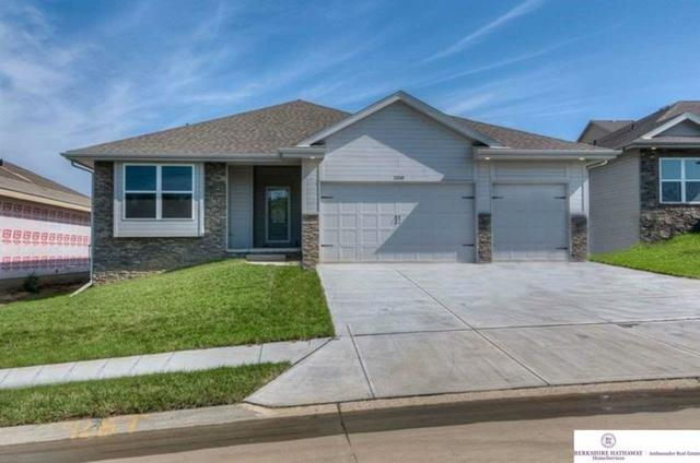 2018 Geri Circle, Bellevue, NE 68147 (MLS #21820162) :: The Briley Team