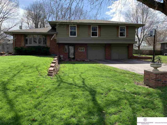 815 Skyline Drive, Omaha, NE 68022 (MLS #21904222) :: Nebraska Home Sales