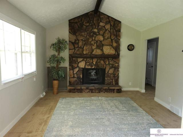 12206 Erskine Circle, Omaha, NE 68164 (MLS #21910130) :: Complete Real Estate Group
