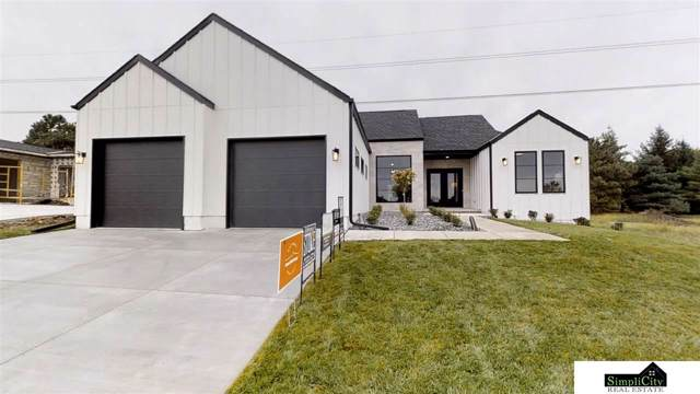 8544 Birkett Drive, Lincoln, NE 68526 (MLS #21915897) :: Dodge County Realty Group