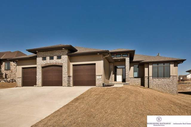 518 Brentwood Drive, Gretna, NE 68028 (MLS #21919359) :: Dodge County Realty Group