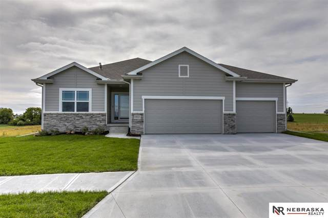 4611 Lawnwood Drive, Papillion, NE 68133 (MLS #21920225) :: Don Peterson & Associates