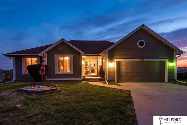 6814 S 164 Circle, Omaha, NE 68135 (MLS #21922150) :: Stuart & Associates Real Estate Group