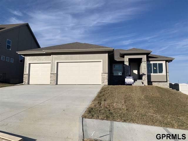 18412 Hampton Drive, Omaha, NE 68136 (MLS #21923906) :: Omaha's Elite Real Estate Group