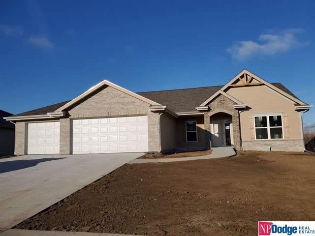 10426 S 106 Street, Papillion, NE 68046 (MLS #21924392) :: Lincoln Select Real Estate Group