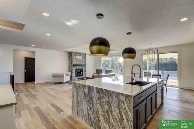 21111 B Street, Elkhorn, NE 68022 (MLS #21924993) :: Omaha Real Estate Group