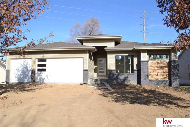 803 Grandview Drive, Louisville, NE 68037 (MLS #21926033) :: Lincoln Select Real Estate Group