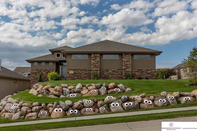 18315 Harney Street, Elkhorn, NE 68022 (MLS #21926539) :: One80 Group/Berkshire Hathaway HomeServices Ambassador Real Estate