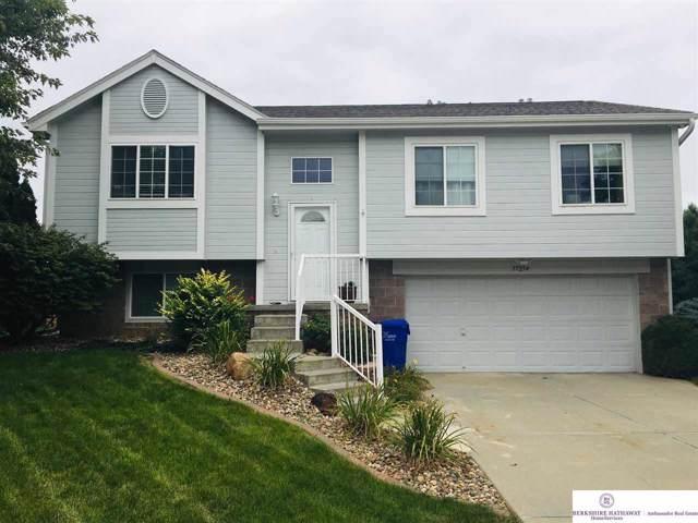 17254 Ruggles Street, Omaha, NE 68116 (MLS #21926709) :: Capital City Realty Group