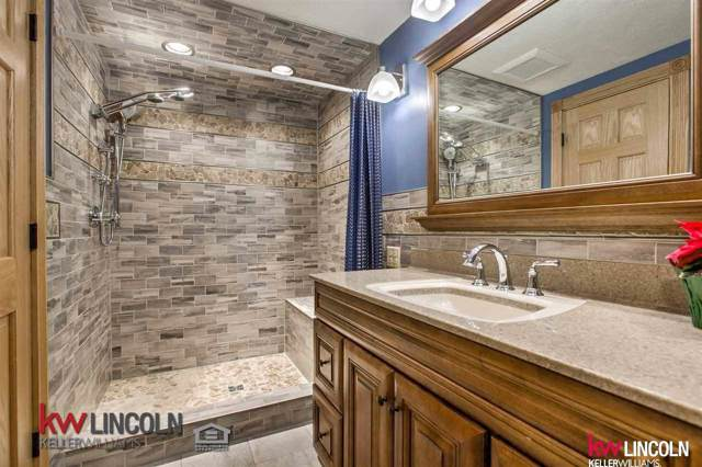 7524 Brummond Drive, Lincoln, NE 68516 (MLS #21927917) :: Omaha's Elite Real Estate Group