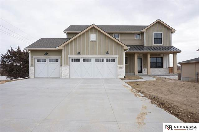 11805 S 110 Avenue, Papillion, NE 68046 (MLS #21928079) :: Dodge County Realty Group