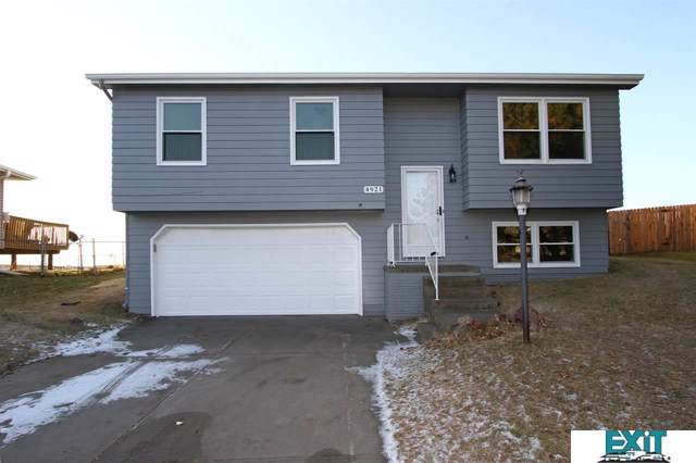 4921 W Partridge Lane, Lincoln, NE 68528 (MLS #21928466) :: Dodge County Realty Group