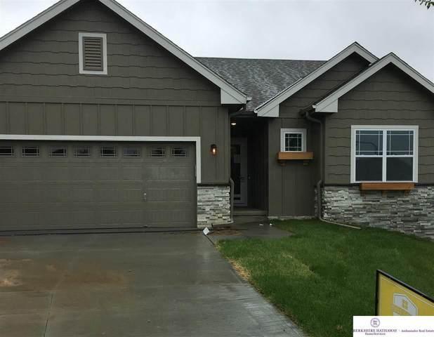 15460 Jaynes Circle, Omaha, NE 68116 (MLS #21929339) :: Catalyst Real Estate Group