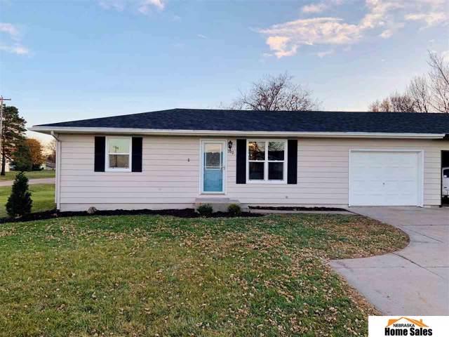 302 Hilda Avenue A, Waco, NE 68460 (MLS #22000321) :: One80 Group/Berkshire Hathaway HomeServices Ambassador Real Estate