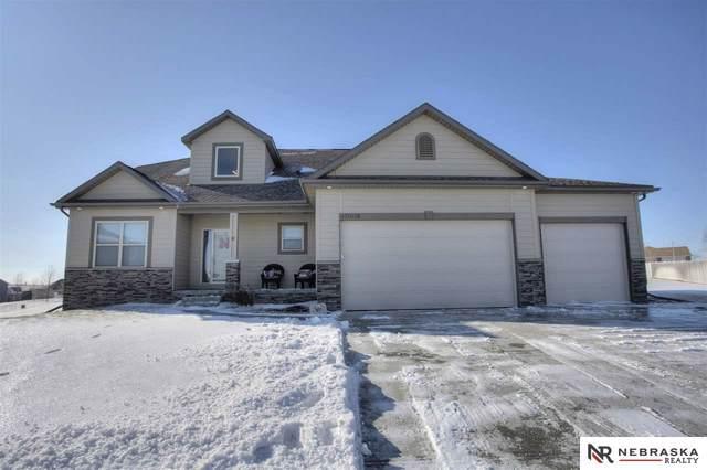 17005 Doreen Circle, Gretna, NE 68028 (MLS #22001218) :: One80 Group/Berkshire Hathaway HomeServices Ambassador Real Estate