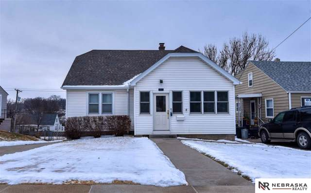 4923 Hickory Street, Omaha, NE 68106 (MLS #22001296) :: Omaha Real Estate Group