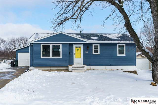 12406 B Street, Omaha, NE 68144 (MLS #22001892) :: Omaha's Elite Real Estate Group