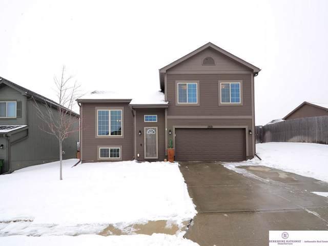 19616 S Street, Omaha, NE 68135 (MLS #22001941) :: Coldwell Banker NHS Real Estate