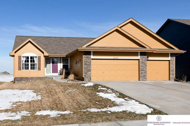 4602 Sheridan Road, Papillion, NE 68133 (MLS #22002563) :: kwELITE