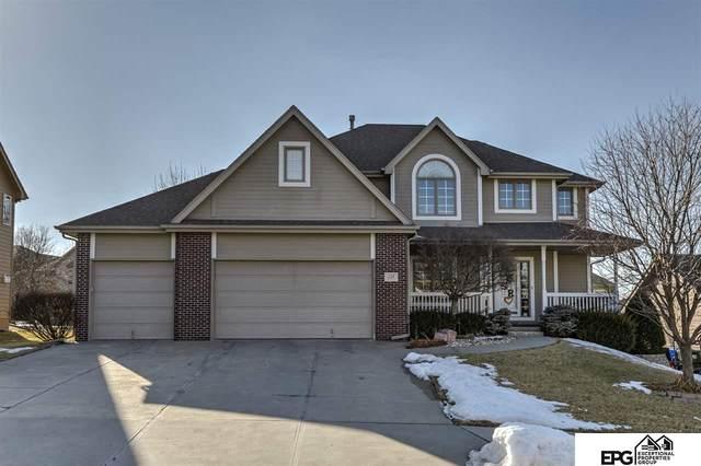 218 N 201 Street, Elkhorn, NE 68022 (MLS #22003015) :: Dodge County Realty Group