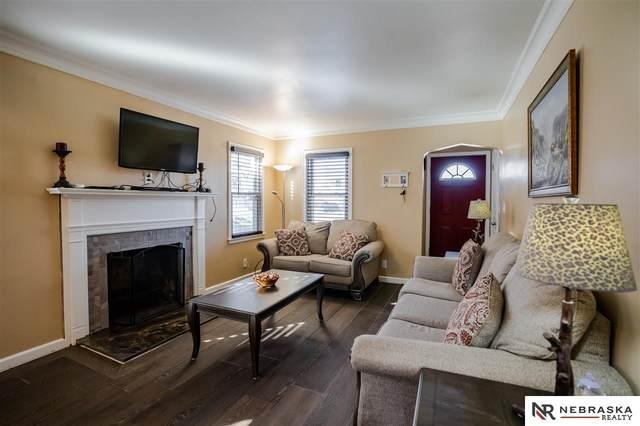 3033 Whitmore Street, Omaha, NE 68112 (MLS #22003208) :: Dodge County Realty Group