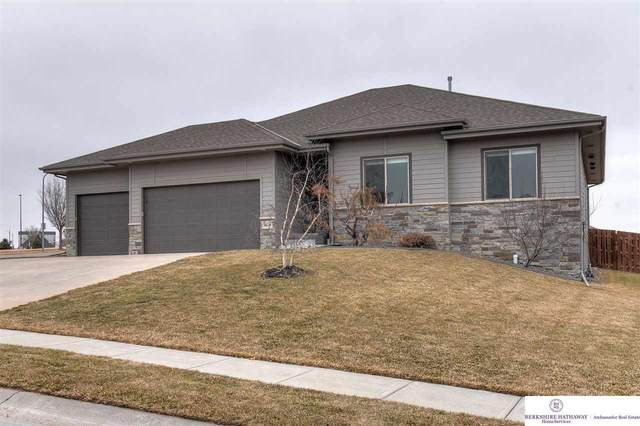 9424 S 69 Street, Papillion, NE 68133 (MLS #22003801) :: Capital City Realty Group