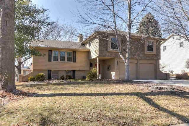 828 N 121 Street, Omaha, NE 68154 (MLS #22003893) :: Dodge County Realty Group
