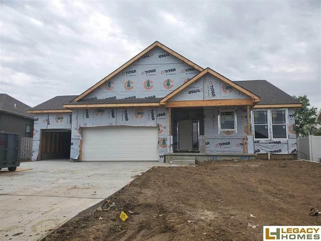 1733 W Big Sky Road, Lincoln, NE 68521 (MLS #22004024) :: One80 Group/Berkshire Hathaway HomeServices Ambassador Real Estate