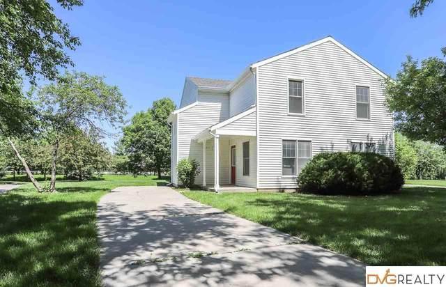 1821 Whittier Street, Lincoln, NE 68503 (MLS #22004526) :: The Briley Team