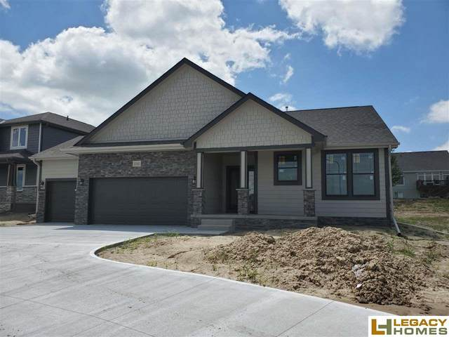 12102 S 209th Avenue, Gretna, NE 68028 (MLS #22004790) :: The Excellence Team