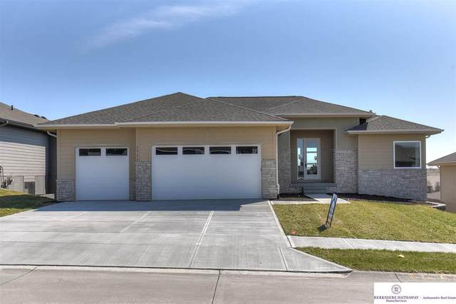 1711 S 208th Street, Elkhorn, NE 68022 (MLS #22005914) :: The Briley Team