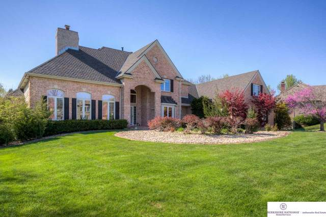 614 N 159 Street, Omaha, NE 68118 (MLS #22006246) :: One80 Group/Berkshire Hathaway HomeServices Ambassador Real Estate