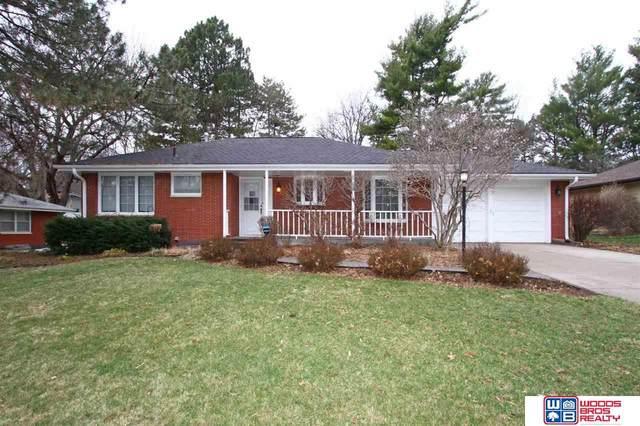 1539 W Manor Drive, Lincoln, NE 68506 (MLS #22006930) :: The Briley Team