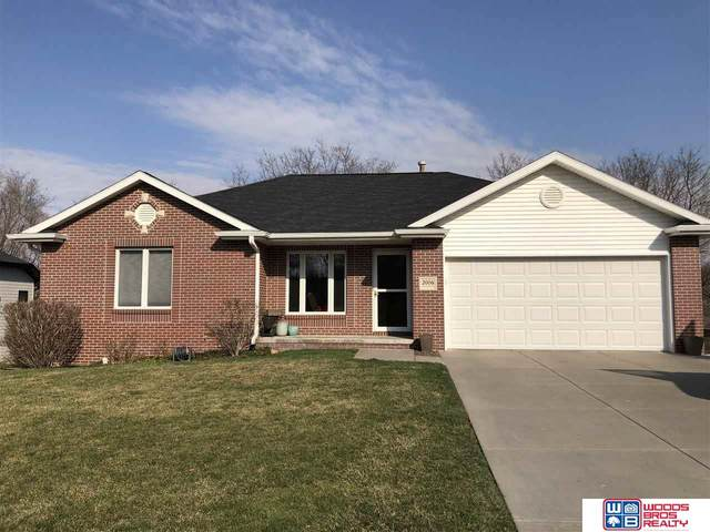 2006 Country Meadows Place, Beatrice, NE 68310 (MLS #22006955) :: The Briley Team