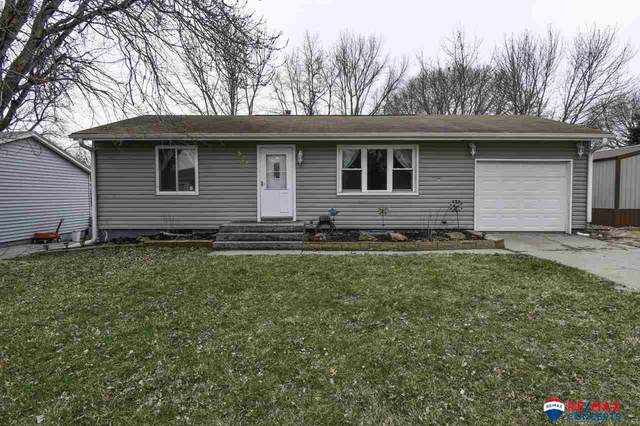 825 F Street, Eagle, NE 68437 (MLS #22007139) :: Lincoln Select Real Estate Group